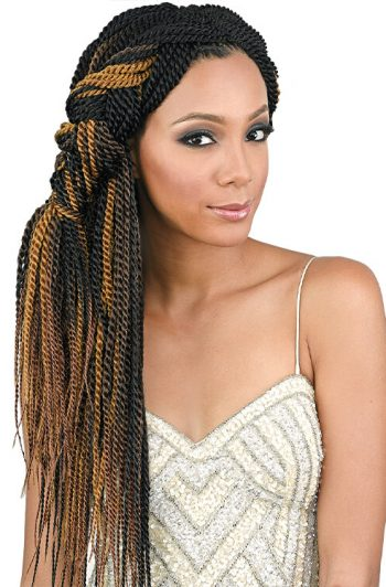 "Bobbi Boss Senegal Twist 18"" Model Front"
