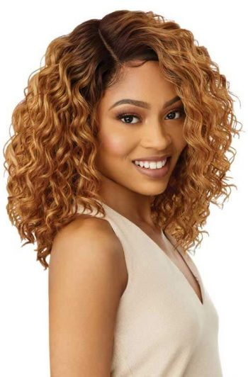 Outre Shireen Wig Model Blonde Side