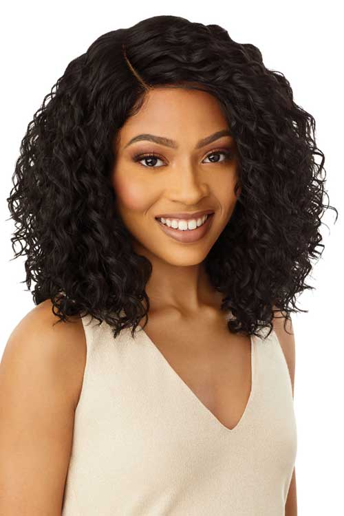 Outre Shireen Wig Model Front